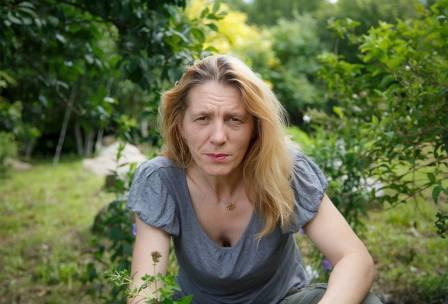 Teresa w ogródku w Kaszunach